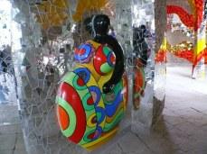 modern-mosaic-mirror-wall