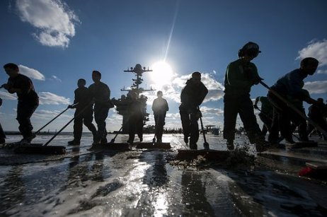 teamwork-deck-wash